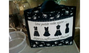 Une-petite-robe-noire-285-2-big-1-www-anisetbergamote-kingeshop-com