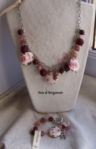 VR collier pampille vieux rose